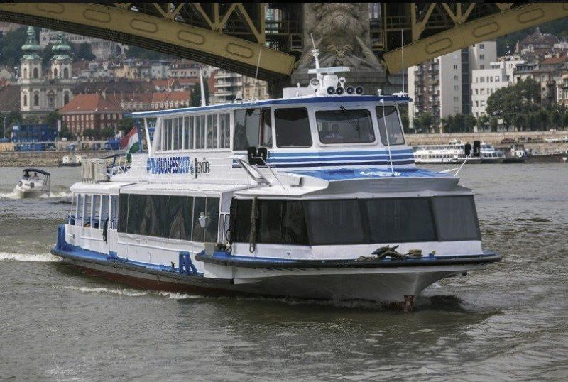 Junius 9 TAC 30 performansz hajó